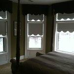 Roehm house corner room queen suite