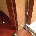 Puerta acceso al baño
