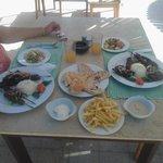 Voor weinig een heerlijke maaltijd bij het strand