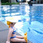 take a rest @ swimming pool