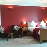Superior Room - double bed with en-suite shower room