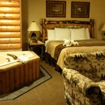Suite with King Bed, Jacuzzi, Fireplace