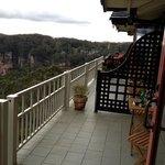 between balconys