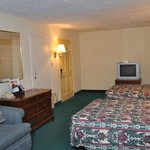 Photo de Econo Lodge Colonial