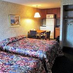 Kitchenette Suite with Pillowtop King Size Bed