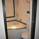 Room 206 jacuzzi tub