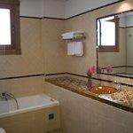 Baño Suite Junior con bañera hidromasaje