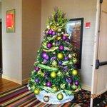 Christmas Tree outside smokeless casino