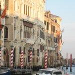 Palazzi Veneziani sul Canalgrande  ( VE )