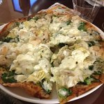 cheese shrimp artichoke heart flatbread - amazing!