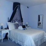 Blue room ~ comfy bed!!
