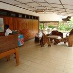 Reception & open air lobby