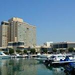 Hotel von der Marina aus