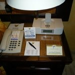 Telefono, reloj, despertador y reproductor de mp3 Ipod