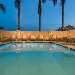 Hilton Santa Clara Pool Area