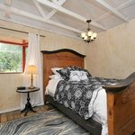 Bed - The Eagle's Nest Suite