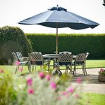 You can have your breakfast outside in the garden!