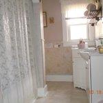 Magnolia private Bathroom