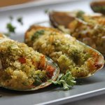Gratinated green mussel with parmesan, garlic & parsley