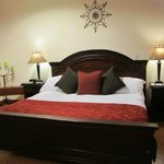 King bed room 201