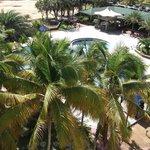 Vista de piscina desde el balcón