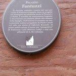Cartiglio Palazzo Fantuzzzi-Bologna