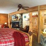 Winter 2013 Decor - Kingfisher Suite