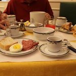 Delicious complimentary continental breakfast to start the day