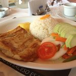 Grilled corvina with rice and salad