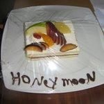 Honey Moon Complimentary Cake