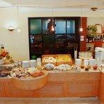 Colazione con ricco buffet - Breakfast with rich buffet