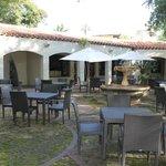 Garten-Restaurant im Innenhof