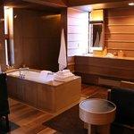 Suite - Bathtub
