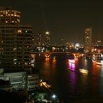 Aussicht vom Zimmer auf den Chao Phraya