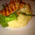 Atlantic Salmon, Mashed Potatoes, and Vegetables