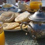 Petit déjeuner sur la terrasse !