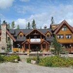 Winston Lodge, Spa, Saloon & Restaurant