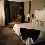 King standard room.