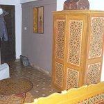 Chambre Jasmin  - l'armoire et le chaufage