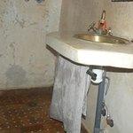 Chambre Jasmin  - douche et lavabo