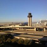 Blick vom Hotelzimmer auf ein Terminal