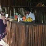 Le kiosque de jus frais, les jus sont faits sur place