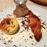 Caramella tartufo, sformatino patate al tartufo e formaggi, bruschetta al paté