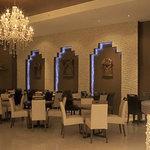 Delhi 6 Restaurant & Bar