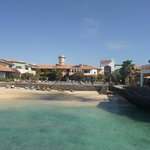Porto Antigo 1 : plage et piscine à l'arri