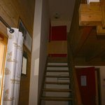 Escalier permettant d'atteindre la chambre et la mezzanine