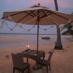 romantic beachside dinner location