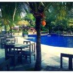 Pantai Gapura Hotel, Sidepool