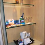 Coffee-tea and other snacks (chargeable to room for snacks)