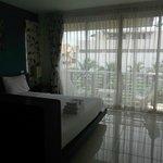 Photo de Kata Beach Center Hotel